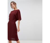 True - Figurschmeichelndes Kleid mit Capedetail