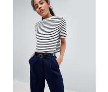 ASOS DESIGN Tall - Kurzes kastiges T-Shirt mit Rippung und Streifen