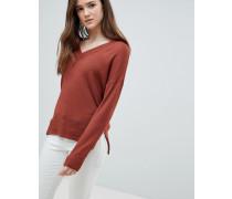 Leichter Pullover mit V-Ausschnitt