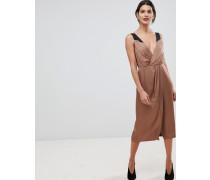 Pia - Ärmelloses Wickelkleid mit V-Ausschnitt