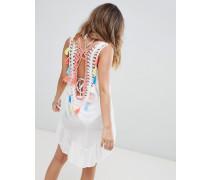 Gehäkeltes Strandkleid mit U-Rückenausschnitt und Quasten