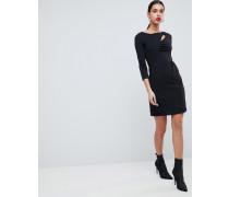 Figurbetontes Kleid mit Cutout