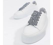 Karierte Sneaker mit flacher Plateausohle zum Schnüren in Weiß