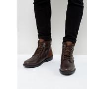 Geschnürte Stiefel in Braun