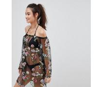 Strandkleid aus Netzstoff mit Carmenausschnitt und Blumenstickerei