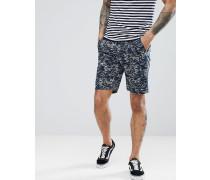 Schmal geschnittene Chino-Shorts mit Wellenmuster
