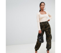 Cargohose mit Military-Muster