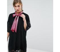 Minikleid aus Spitze mit Bindebändchen am Ausschnitt