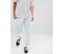 Otis - Kurz geschnittene ausgestellte Jeans in Superhellblau mit Zierrissen