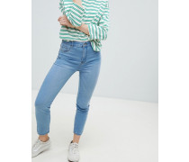 Enge Jeans in Mittelblau mit hoher Taille