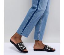 Flache Sandalen mit Perlenverzierung