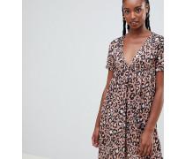 ASOS DESIGN Tall - Ultimate - Smok-Kleid mit Leopardenmuster bedruckt