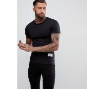 Lang geschnittenes Muskel-T-Shirt