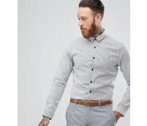 Enges Hemd mit Streifen