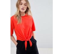 Kurzes T-Shirt mit Knoten vorn