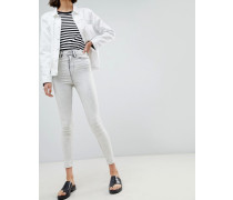 Anika - Enge Jeans in Acid-Waschung mit hoher Taille