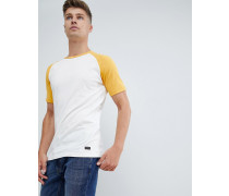T-Shirt mit farbigen Raglanärmeln