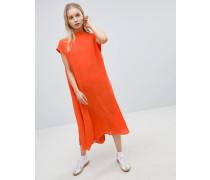 Langes weich fließendes Kleid