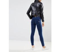 WR.UP - Mittelhohe formende und enge Jeans mit Push-Effekt und Rissen