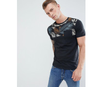 T-Shirt mit bedruckten Bahnen