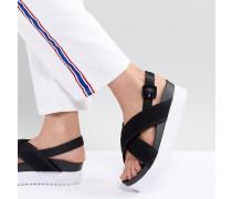 Sandalen mit gekreuzten Riemen und Keilabsatz