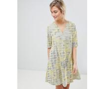 Kleid aus Webmaterial