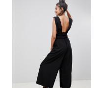 ASOS DESIGN Tall - Jumpsuit mit geraffter Taille und tiefem Ausschnitt