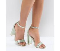 Filigrane Sandalen in Metallicgrün mit Blockabsatz