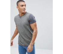 T-Shirt mit gestreiften Ärmeln