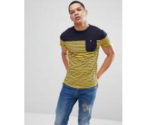 T-Shirt mit Tasche und Streifen