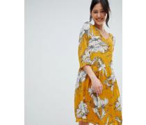 Kleid mit Print und V-Ausschnitt