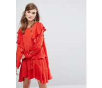 Langärmliges Kleid mit Rüschen