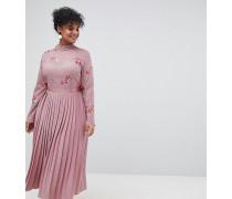 Wadenlanges Kleid mit besticktem Spitzenoberteil und plissiertem Rock
