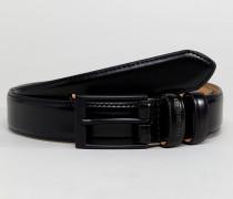 Schmaler schwarzer Ledergürtel