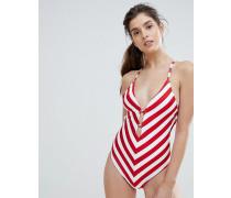 Gigi Hadid - Gestreifter Badeanzug