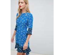Schwingendes Kleid mit Punkte- und Mohnblumenmuster