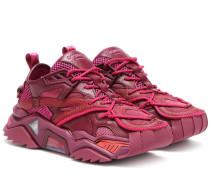 Sneakers Strike 205
