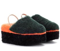 Plateau-Sandalen aus Shearling