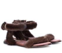 Sandalen mit Pelz