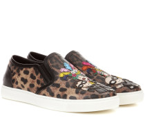 Slip-on-Sneakers mit Print und Applikationen