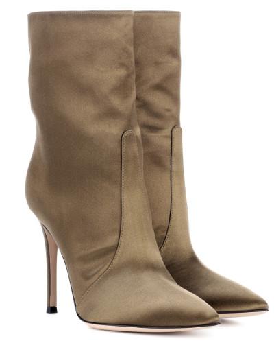Gianvito Rossi Damen Ankle Boots Melanie aus Samt Breite Palette Von Online-Verkauf Verkauf Erhalten Authentisch Niedrige Versandgebühr Verkauf Online Billig Am Billigsten Ic8HERvtZG