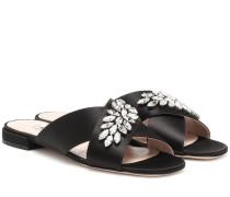 Verzierte Sandalen aus Satin