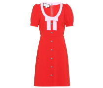 Kleid mit Verzierungen