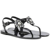Verzierte Sandalen mit Leder