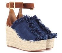 Wedge-Sandalen aus Leder und Denim