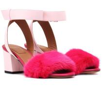 Sandalen aus Leder und Pelz