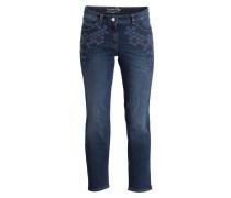Jeans mit Stickereien