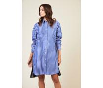 Kleid mit Plissee-Detail Blau/Weiß- Blau/Weißes Kleid - Umlegekragen - Lange Ärmel - Aufgesetzte Brusttasche - Frontale Knopfleiste - Seitliche Einsätze mit Plissee - Lockere Silhouette - Knieumspielend Material : -