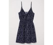 Kleid mit Gürtel - Dunkelblau/WeiB gemustert