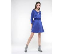 Kleid mit elastischem Gürtel